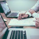 STS Civil de 17 de Octubre de 2017. Contrato de prestación de servicios jurídicos, aplicación de la Ley 3/2004 de 29 de Diciembre de medida de lucha contra la morosidad en operaciones comerciales